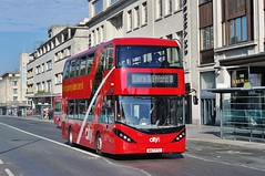 City Swooped (Better Living Through Chemistry37) Tags: plymouth plymouthcitybus buses busessouthwest busesuk transport transportation vehicles vehicle publictransport psv wa17ftz 565 adl alexanderdennis e40d enviro enviro400 enviro400city royalparade swoop