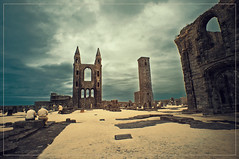 2017 07 25 Saint Andrews IR 680nm - 09b (Mister-Mastro) Tags: st andrew scotland schottland ir infrared fullspectrum 680nm filter ruins ruine abandoned cathedral kloster friedhof graveyard cemetary