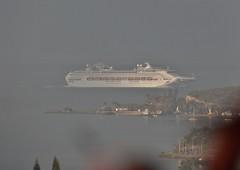 Misty Morning (from home) (uphillblok) Tags: nouméa noumea nouvellecalédonie newcaledonia cruiseship