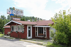 Anchor Inn (Mick Loyd) Tags: anchorinn kenora ontario motel lakeofthewoods