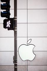 Apple (Thomas Hawk) Tags: america apple applecomputer applestore chitown chicago illinois usa unitedstates unitedstatesofamerica us fav10 fav25 fav50