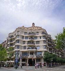 Каса-Мила, Барселона, Испания / Casa Mila, Barcelona, Spain (~1974~) Tags: casa mila barcelona gaudi spain