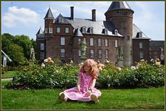Margie ... (Kindergartenkinder) Tags: schlossanholt dolls himstedt annette park kindergartenkinder sommer wasserburg isselburg margie garten porträt