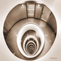 4. Obergeschoß (petra.foto busy busy busy) Tags: treppenhaus kontorhaus hamburg architektur stairs stockwerk sepia fotopetra canon 5dmarkiii vonoben versmannhaus