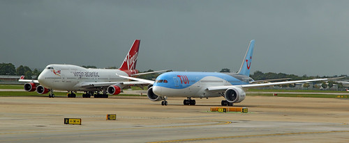 Past and present of Boeing