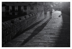 Ombre&Luce (oiZox) Tags: ombreeluci orlandoimperatore orlando oldtown observing ombre arquitecture walking world woman europe exterior sunny contraluz silhouette silueta town travelling young urban urbano up incontri imperatore introspectus interior people photography paseo photo portugal ponte do lima kultur journey happy human happiness humans gente girl grandeepiccolo fotourbana friends family d750 depthoffield dof dia streetphotagraphy street shadow aire zox zoximage city calle citta callejera ciudad cityscape viejo viaggiare blackwhite blanconegro bw monocromatico mono monochrome river water sky sunset light