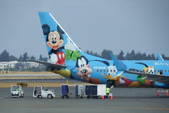 DSCF1184 (Tubagua) Tags: n318as alaska airlines disney commercial air planes airliners