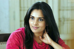 Indian Actress Ramya Hot Sexy Images Set-1 (18)