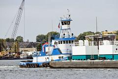 r_170921349_beat0057_a (Mitch Waxman) Tags: killvankull newyorkcity newyorkharbor statenisland tugboat newyork