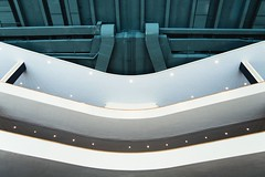 Le Corbusier - Oscar Niemeyer - Wallace Harrison. United Nations Secretariat Building #21 (Ximo Michavila) Tags: lecorbusier oscarniemeyer wallaceharrison unitednations secretariat building ximomichavila newyork nyc un onu usa abstract hall white graphic architecture archdaily archiref archidose