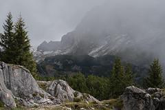 Maurtizspitze (jeannette.dejong) Tags: rofanbahn maurach tirol groen grijs bruin wit mist oostenrijk ngc naturelovers natuur 1845m