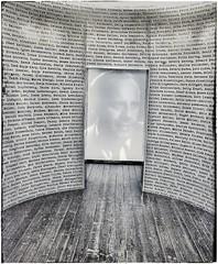 La lista di Schindler, museo di arte contemporanea di Cracovia, Polonia. (Livio Saule) Tags: arte monocromo cracovia polonia storia history shoah guerra ebrei bianconero viaggio travel