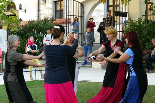 29.9.17 4 Cesky Krumlov Folk Dance Seminary Garden 027