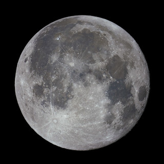 Full Moon before Total Solar Eclipse 2017