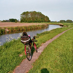 De ligfiets langs het Rasquerter Maar bij Tinallinge thumbnail