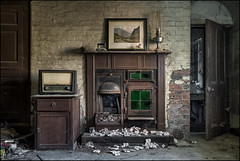 Abandoned house 9 (ducatidave60) Tags: fuji fujifilm fujixt1 fujinonxf23mmf14 abandoned decay dereliction urbandecay urbex