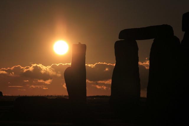 元旦に見るストーヘンジと英国最大のパワースポット・グラストンベリー