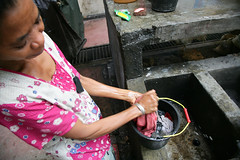 IDPs in Dili 3 june 2007.JPG-72 (undptimorleste) Tags: dildistrict idps internallydisplacedpeople metinaro woman women