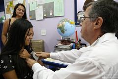 Assinatura de contrato e exame médico