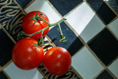 Tomatos in a bowl (simonpe86) Tags: tomate macro rot stayinghealthy macromondays tomato health healthy red