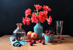 Heat (Esther Spektor - Thanks for 12+millions views..) Tags: stilllife naturemorte bodegon naturezamorta stilleben naturamorta composition creativephotography artisticphoto arrangement tabletop summer heat bouquet flowers hibiscus food fruit cherry apple water goblet decanter bowl plate napkin glass ceramics availablelight reflectio red green burgundy peach turquoise blue brown black estherspektor canon
