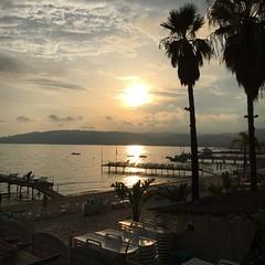 Coucher de soleil à Juan-les-Pins #Antibes #AntibesJuanlesPins #coucherdesoleil #sunset #AlpesMaritimes #paca #nofilter (sebastienbesse106) Tags: cantibe antibes antibesjuanlespins coucherdesoleil sunset alpesmaritimes paca nofilter