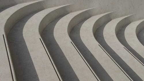 Steps V&A