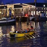 Amsterdam Ruderboot bei Nacht thumbnail