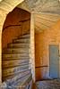 Dans l'une des plus jolies  cours de la rue Juiverie. (Pascal Rey Photographies) Tags: escaliers stairway vieuxlyon lyon lugdunum citéinternationale mediéval médiéval ruejuiverie photographiecontemporaine photos photographie photography photograffik photographieurbaine nikon d700 luminar pascalreyphotographies aruba abw