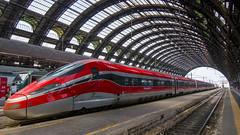 Frecciarossa (HansPermana) Tags: milan italy milano italia milanocentrale hauptbahnhof centralstation train railway frecciarossa