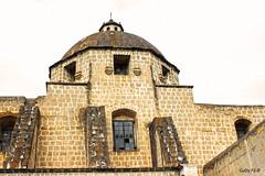 La cúpula de  Belén (Gaby Fil Φ) Tags: cajamarca cajamarquino regióncajamarca conjuntomonumentalbeléncajamarca arquitectura arquitecturacolonial cúpulas perú sudamérica sierracentraldeperú piedras