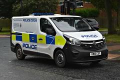 KM15CDF (Cobalt271) Tags: km15cdf northumbria police vauxhall vivaro 2900 swb cdti dog van proud to protect livery
