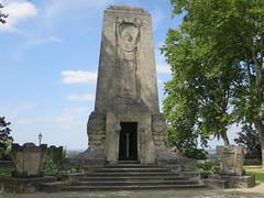 Monument aux morts, Place Beaulieu, Angoulême (16) (Yvette G.) Tags: angoulême charente 16 poitoucharentes nouvelleaquitaine monumentauxmorts artdéco