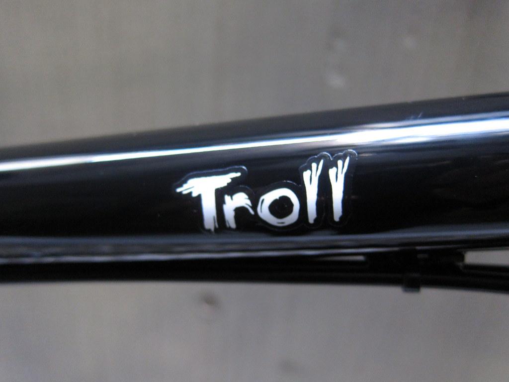 SURLY Troll Riser Logo 2