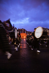 Tattoo 2nd Visit-55 (Philip Gillespie) Tags: 2017 edinburgh international military tattoo splash tartan scotland city castle canon 5dsr crowds people boys girls men women dancing music display pipes bagpipes drums fireworks costumes color colour flags crowd lighting esplanade mass smoke steam ramparts young old cityscape night sky clouds yellow blue oarange purple red green lights guns helicopter band orchestra singers rain umbrella shadows army navy raf airmen sailors soldiers india france australia battle reflections japan fire flames celtic clans