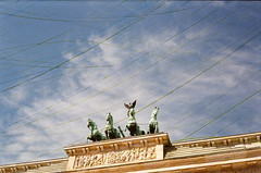 Brandenburger Tor - rzecz sławna (joanna.smieja) Tags: brandenburgertor berlin germany famous famousplaces lookingup sky clouds analog analogue canonet canonetql19 travel joannasmieja smieja