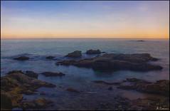 Luz del amanecer (antoniocamero21) Tags: playa cala rocas mar cielo agua amanecer color foto sony calella brava costa girona catalunya marina paisaje palafrugell