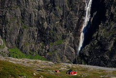 Cabin by the hole (DoctorMP) Tags: norwegia norway norge moreogromsdal romsdal romsdalsalpene mountains summer landscape lato góry hiking stream river waterfall cabin hytte