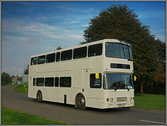 Catterall`s R129 EVX (Jason 87030) Tags: bus southam longitchington leamingtonway warwickshire daventry northants northamptonshire stagecoach private independant white volvo oly alexander school duty contract september doubledecker 2017 lighting roadside wheels r129evx