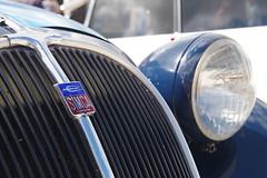 Simca 8 (JPh A.) Tags: old car ancienne simca pentax tamron saintsauveur burgundy france bourgogne bicolore bleu blue logo écusson marque tamron175028 collection populaire