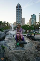 San Diego Comic Con 2017 Cosplay (V Threepio) Tags: 2017 2870mm cosplay sdcc sandiegocomiccon sonya7r sonyalpha vthreepiophotography cosplayer costume mirrorless photography vthreepio disney rapunzel fountain girl