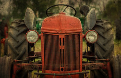 Ford Tractor...... (Kevin Povenz Thanks for the 3,600,000 views) Tags: 2017 july kevinpovenz westmichigan michigan allendale tractor ford red wheels lights canon7dmarkii old antique classic farm equipment