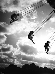 Up in the sky (René Mollet) Tags: sky haven round roundabout fair cluods funfair kids blackandwhite bw backlight urban renémollet fun