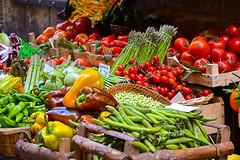 What do the colors tell us in vegetables? (mercedescasal) Tags: bodegón vegetales vegetables esposicion verduras frutas color