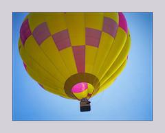 La flamme souffle (afantelin) Tags: mongolfière couleurs ciel yonne burgundy bourgogne