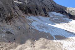 vedretta ghiacciaio del Vernel (Tabboz) Tags: montagna dolomiti marmolada ferrata cima vetta ghiacciaio vedretta ramponi salita sentiero cresta croce panorama escursione