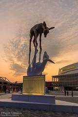 """Sculpture """"La Rencontre"""" (Pierre Lemieux) Tags: villedequébec québec canada ca larencontre placejeanbéliveau oeuvre sculpture bronze"""