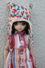 Colorful!!! (Ninotpetrificat) Tags: crochet hat handmade hobby hechoamano colorful bunt gorro gorrodelana doll dd ddh10 dollfie dollfiedream volks colorido cute kawaii toys japantoy japandoll asiandoll