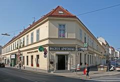 Die Apotheke zum Hl. Rochus in Penzing (Wolfgang Bazer) Tags: penzing wien vienna österreich austria apotheke pharmacy strasenecke street corner