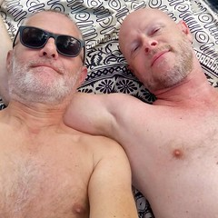 Relax (mikael_on_flickr) Tags: relax rilassandosi beach spiaggio strand franco mikael husband husbands couplle coppia summer sommer estate male man men mann männer uomo uomini guy guys portrait ritratto